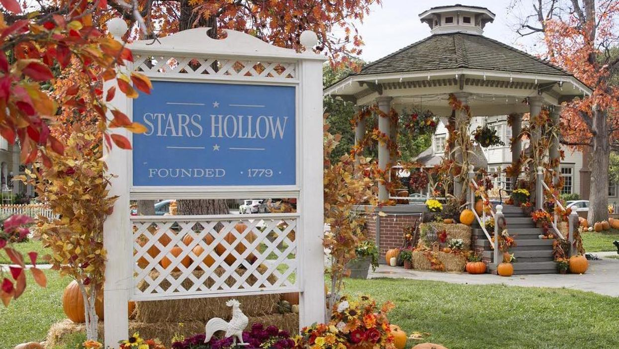 This Adorable Town Near Ontario Is Transforming Into Stars Hollow From Gilmore Girls This Fall