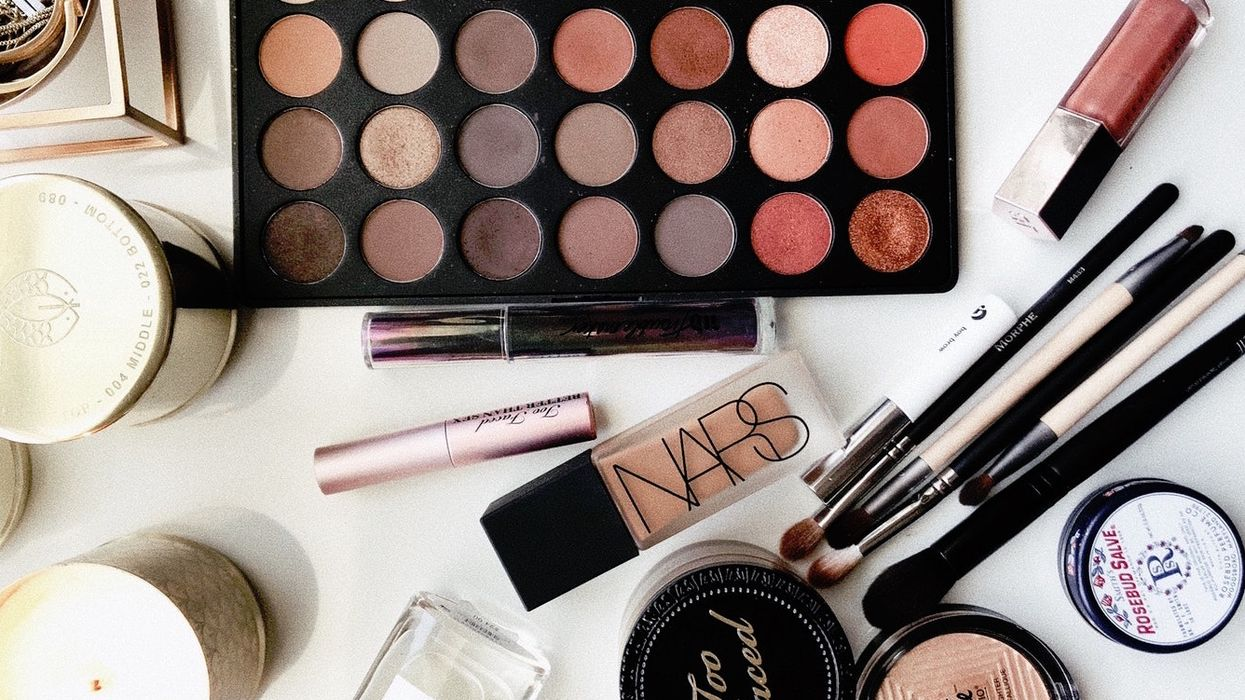 Health Canada Is Warning Canadians That A Powder In Your Cosmetics Is Dangerous And Can Be Cancerous
