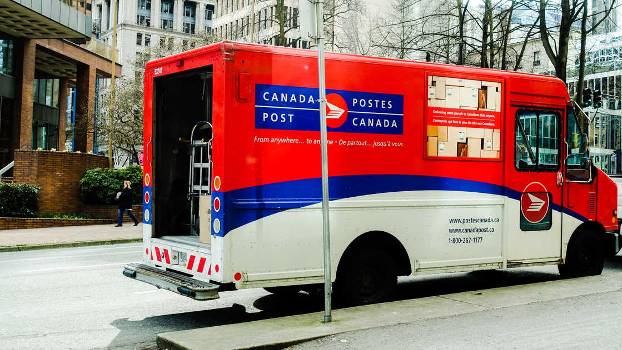"""Canada Post Confirms Their """"Holiday Delivery Service Guarantee"""" Has Been Restored Across The Country"""