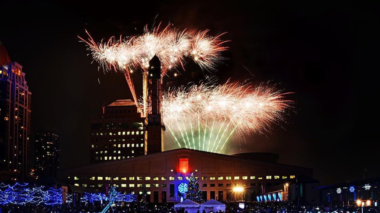 This Free New Year's Eve Party Near Toronto Has An Epic Fireworks Display And Concert