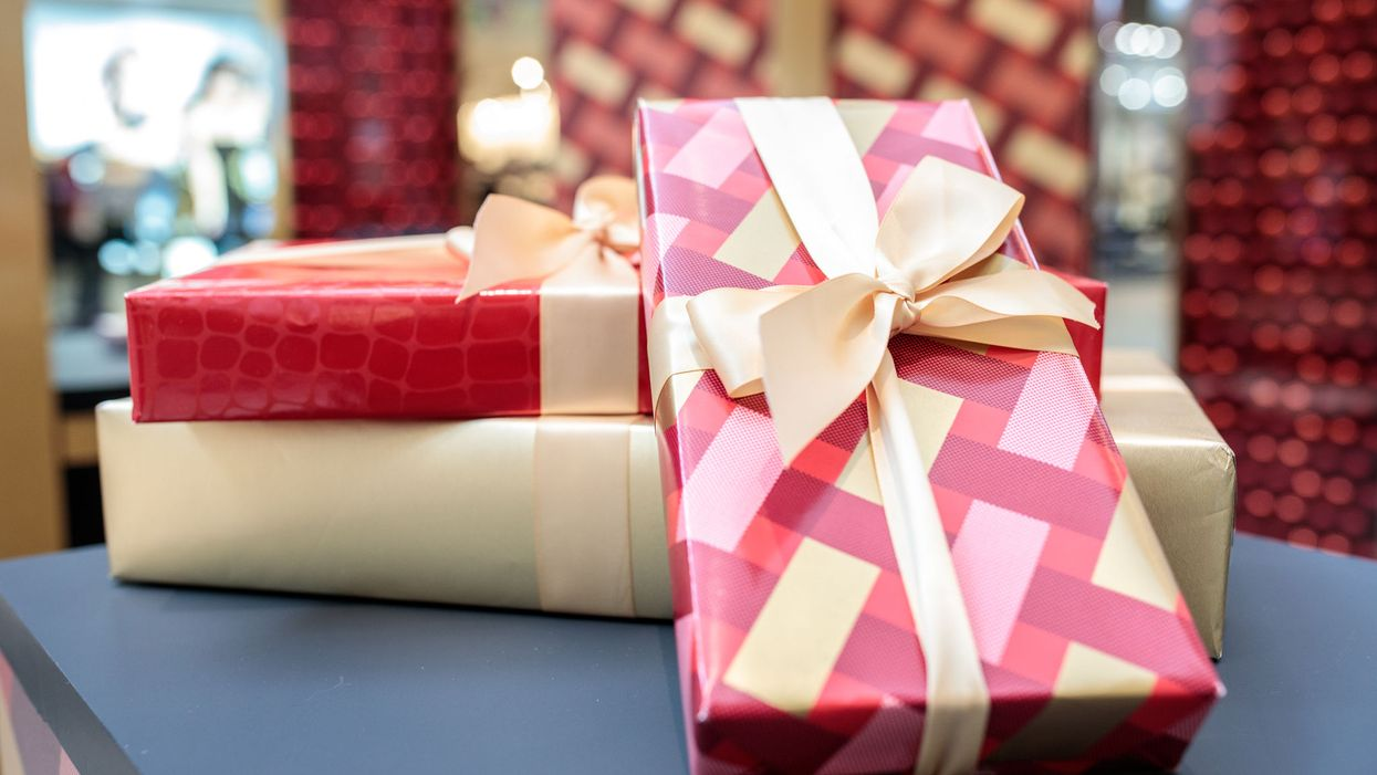 This Is Where You Can Get Your Christmas Gifts Wrapped In Canada If You're Not Good At It