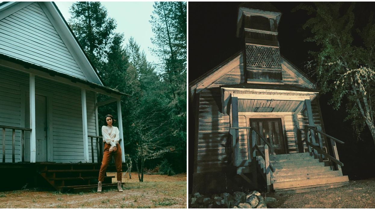 Golden Ghost Town In Oregon Is An Eerie Spot Filled With Deserted Buildings