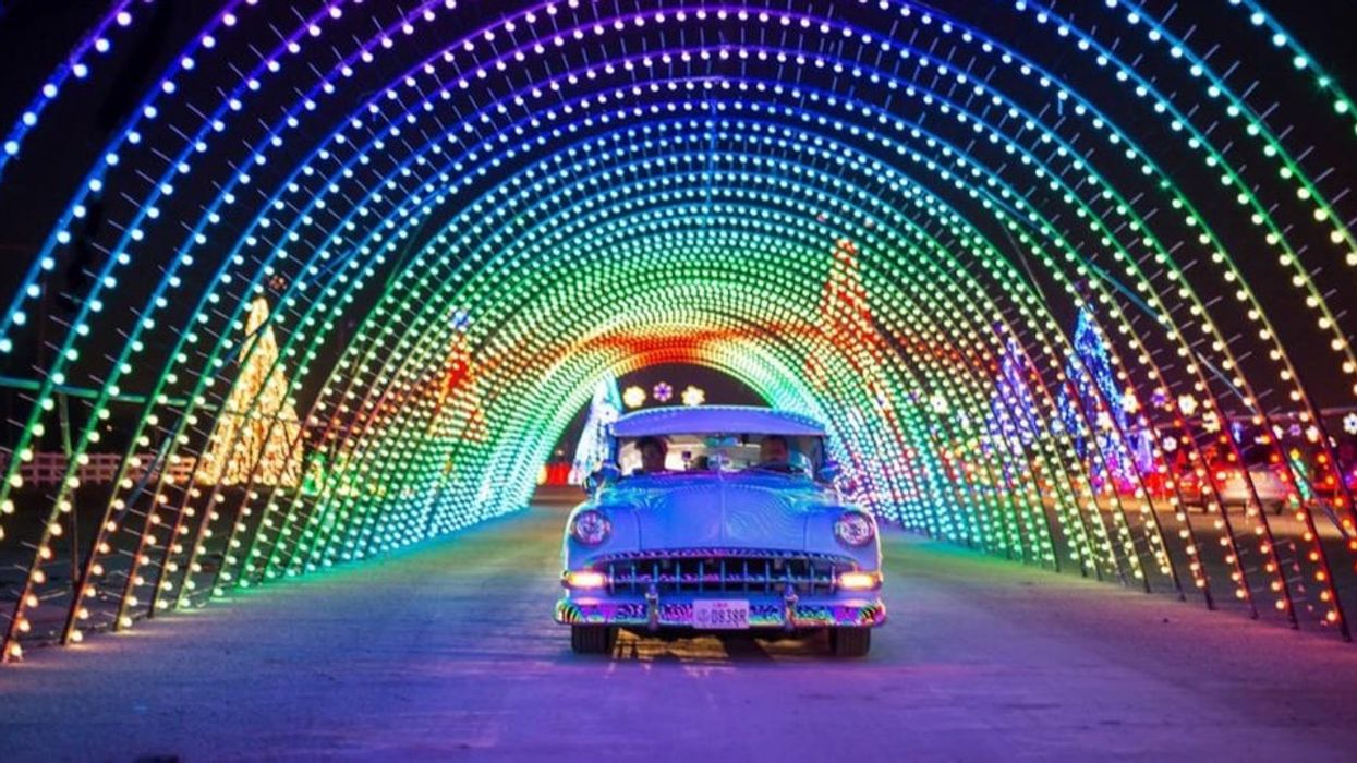 A Dazzling Drive-Thru Light Show In Toronto Will Give You A Ride If You Don't Have A Car