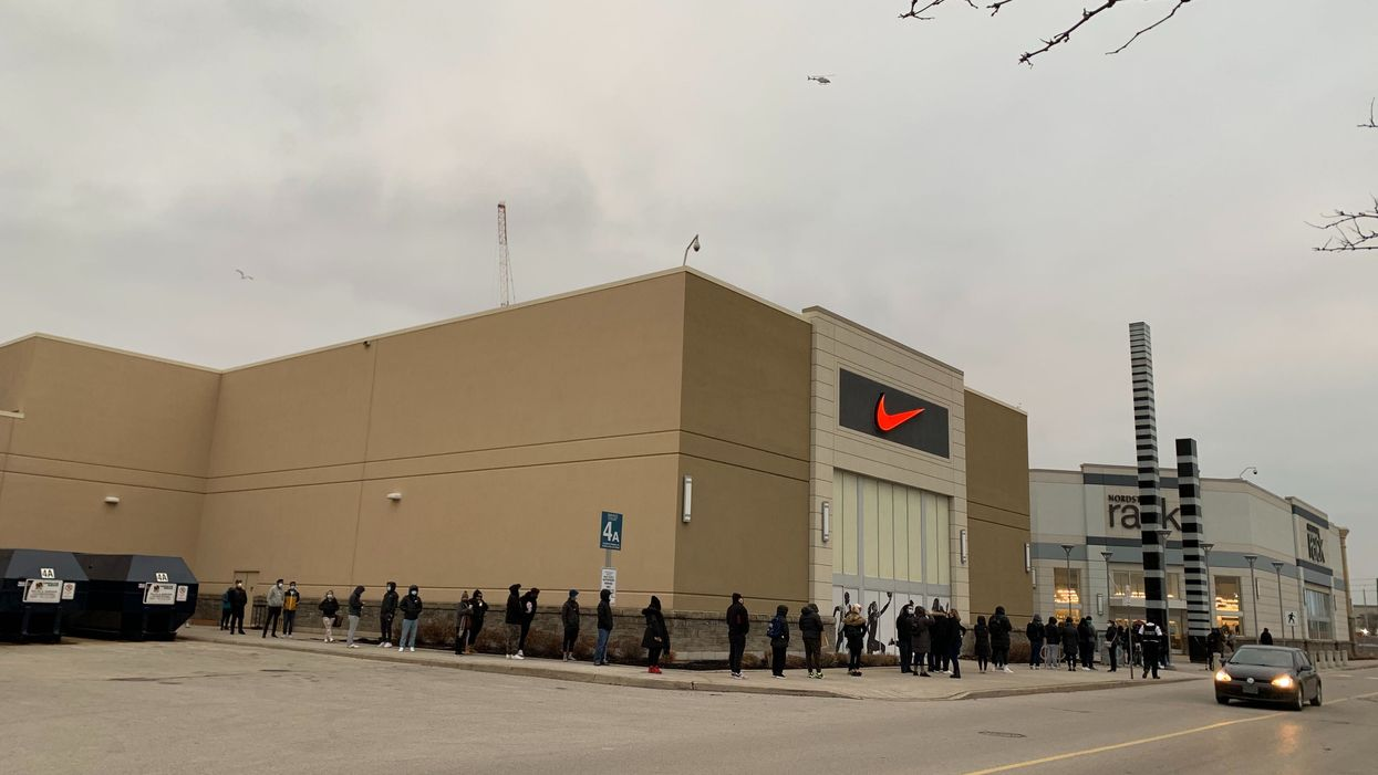 People Lined Up For Hours This Morning To Shop At Vaughan Mills On Black Friday (PHOTOS)