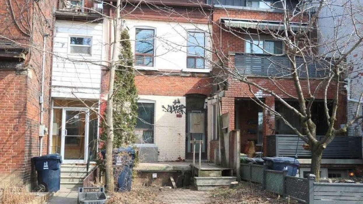 This Toronto Home Is Selling For Nearly $800K & Doesn't Even Have A Working Bathroom