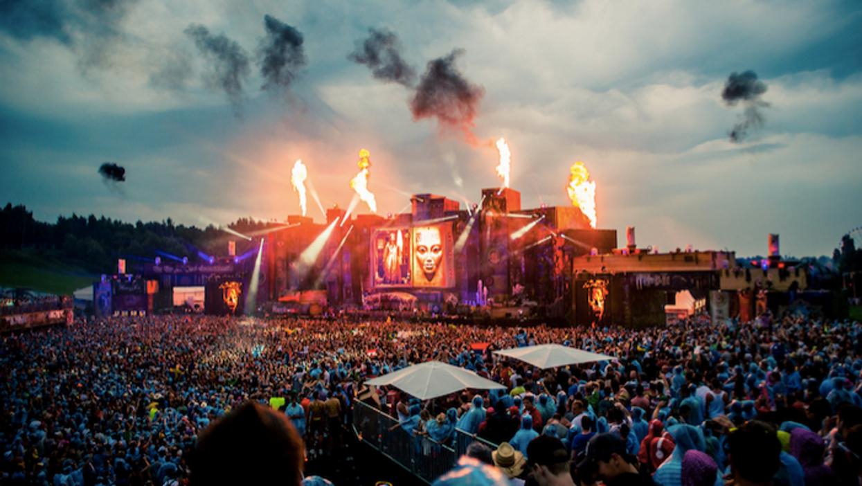 Cours la chance de gagner un voyage tout inclus pour le FOU festival Tomorrowland!