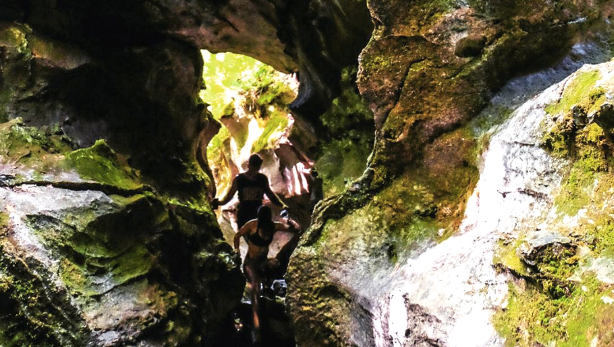 You Must Make A Trip To This Unique Cave In Gatineau Park Before Winter Comes