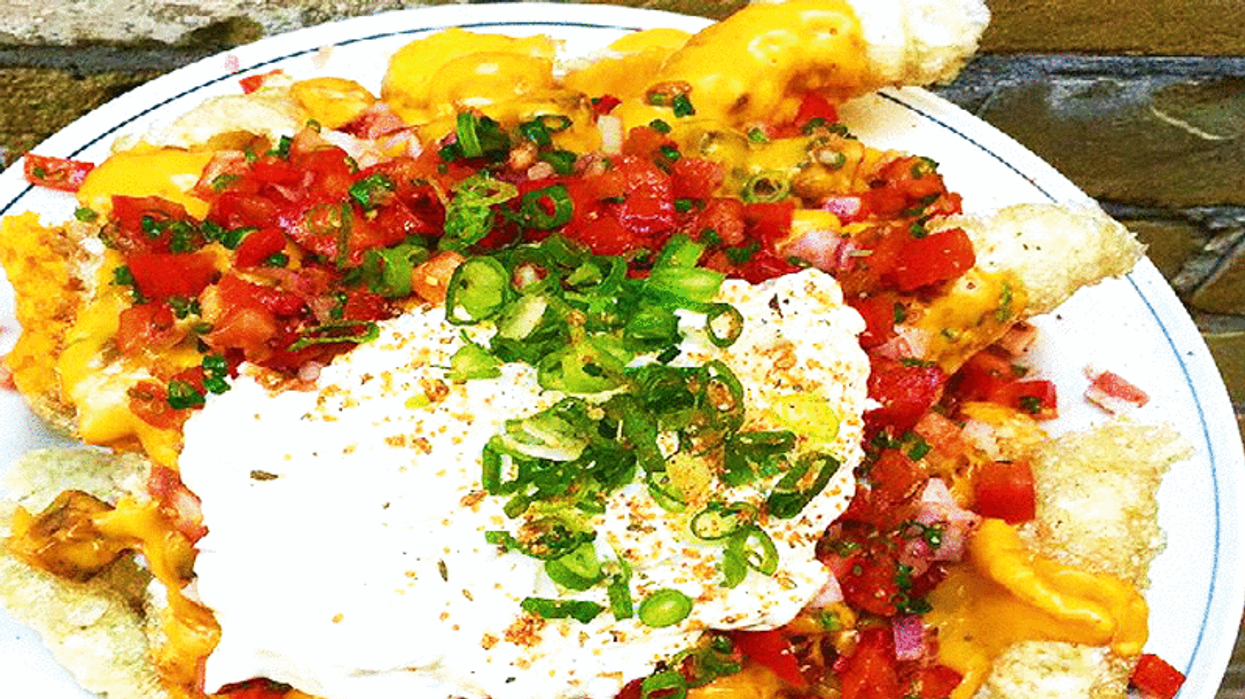 This Toronto Restaurant Serves The Most Amazing Nachos, But You Won't Find It On The Menu