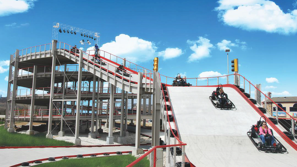 """A Multi-Level """"Mario Kart"""" Style Race Track Is Opening In Niagara Falls"""