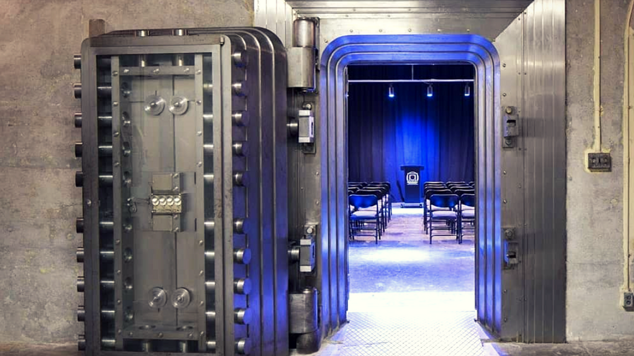 The World's Largest Escape Room Is In Ontario And It Traps You In An Underground Bunker