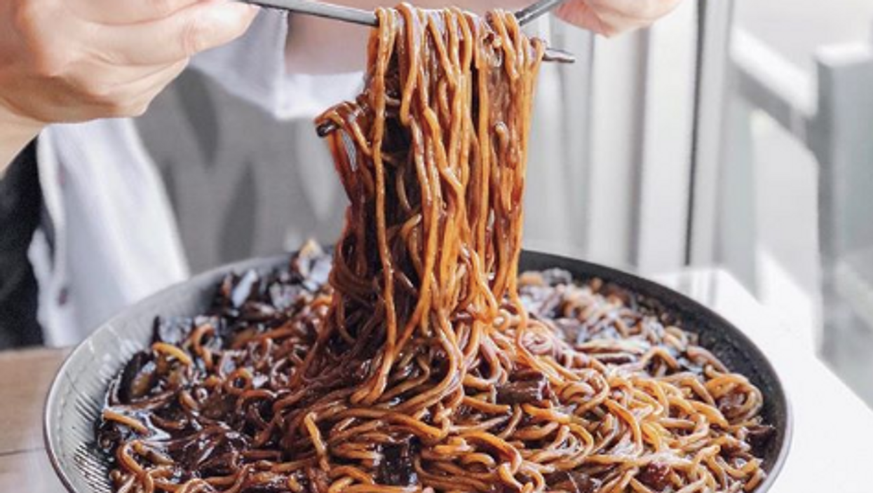 This Spot In Calgary Serves The Biggest Bowl Of Fried Noodles And The Noodles Are Ridiculously Long