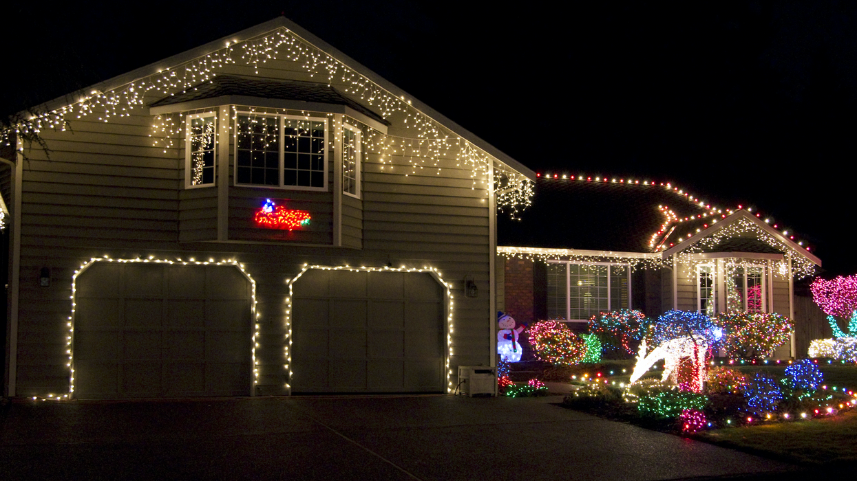 The Government Is Ordering An Ontario Man To Shut Down His Christmas Display Or Face Jail Time