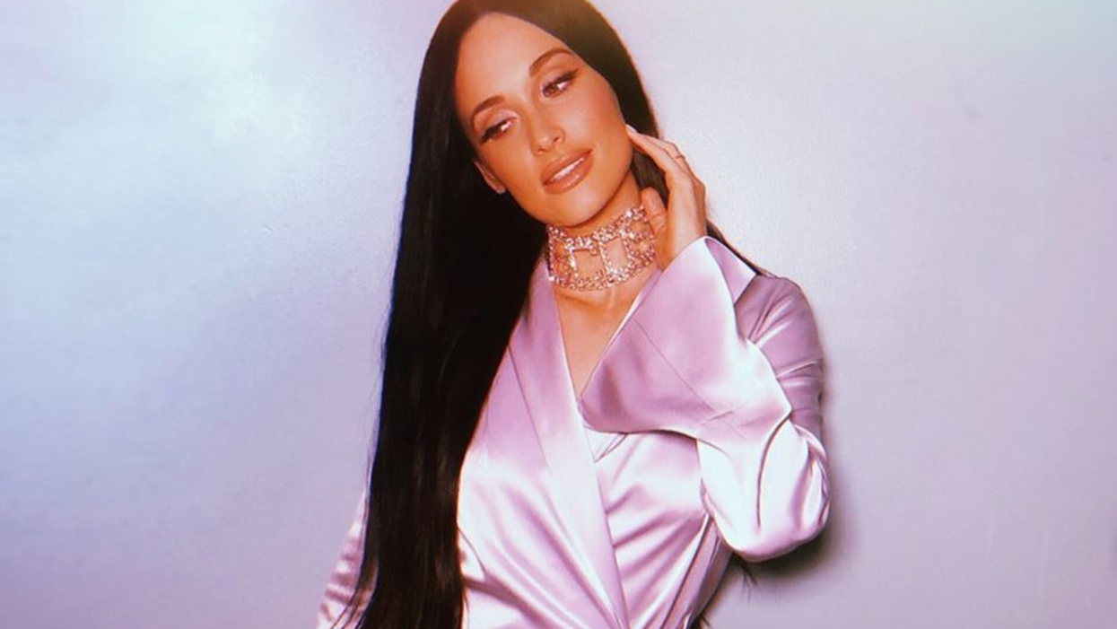 Superstar Kacey Musgraves Spotted Shopping For Obama Handbags In Dallas Yesterday