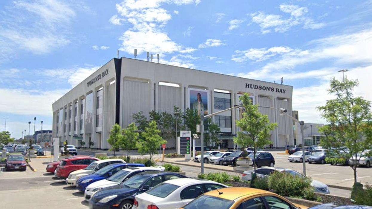 Hudson's Bay Sues Oxford Properties