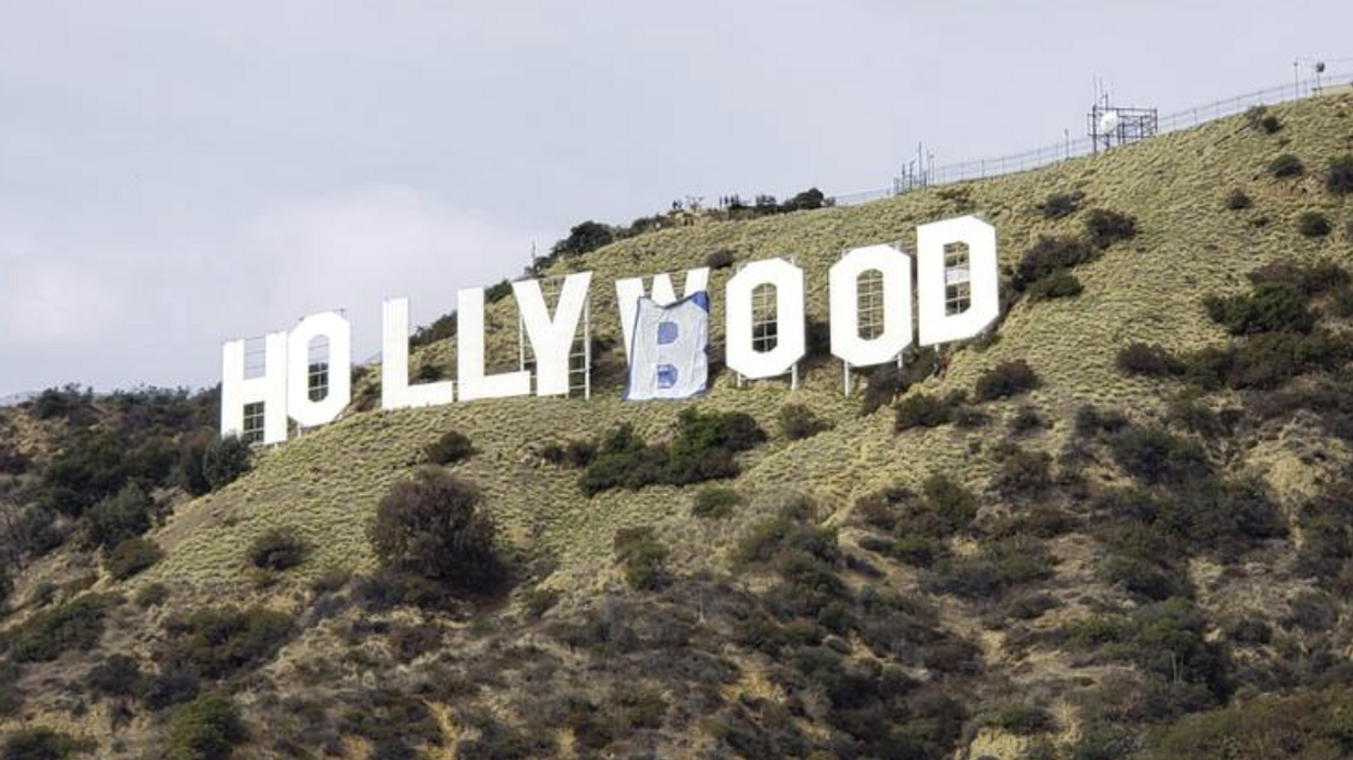 A Breast Cancer Awareness Stunt Just Gave The Hollywood Sign A Redesign