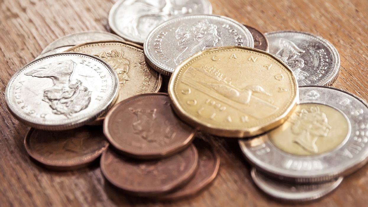 Monnaie royale canadienne : Le Canada crée la toute première pièce de 1 $ colorée