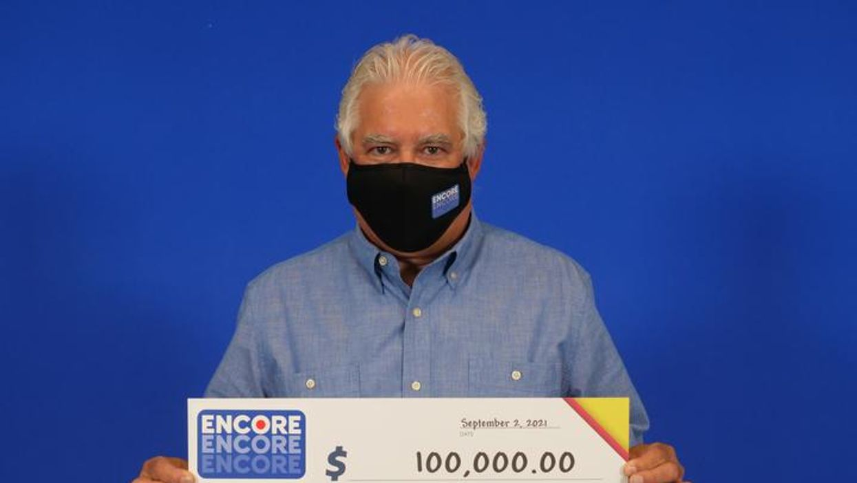 Ontario Lottery Winner Won $100K & Didn't Tell His Family For Days