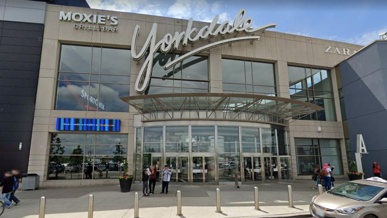 Yorkdale Shopping Centre Is Having A Huge Job Fair This Week & Over 20 Stores Are Hiring